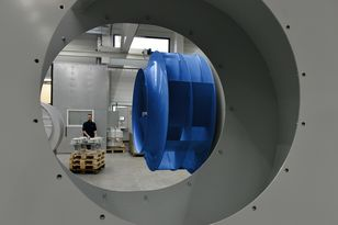 Ziehl-Abegg distinguishes itself not only from the engineering aspect but with Blue is also setting a visual highlight. In 2015 the Künzelsau-based fan and drive manufacturer grew its global turnover by approx. six percent to 448 million euros.